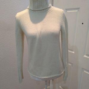GAP ivory sweater size small
